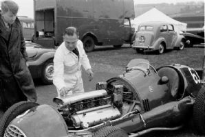 Ferrari 166 V12 Wilkie Wilkinson & Bill Dobson with David (Ecurie Ecosse) Murray's car. Winfield 1951